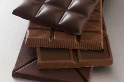 Eating dark chocolates may improve your heart health