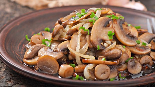 Healthiest Way to Cook Mushrooms: Grill or Microwave Them!