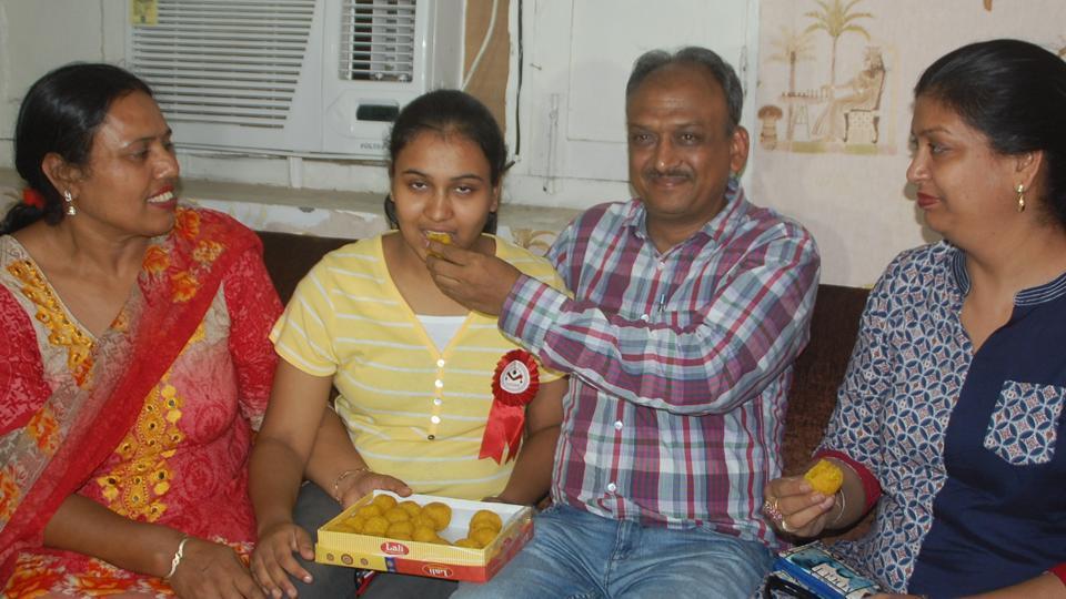 CBSENEET 2017: Bathinda girl, Nikita Goyal, bags AIR 8