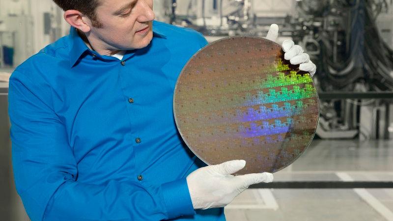 IBM's New Tech Squeezes 30 Billion Transistors Into Fingernail-Sized 5nm Chip