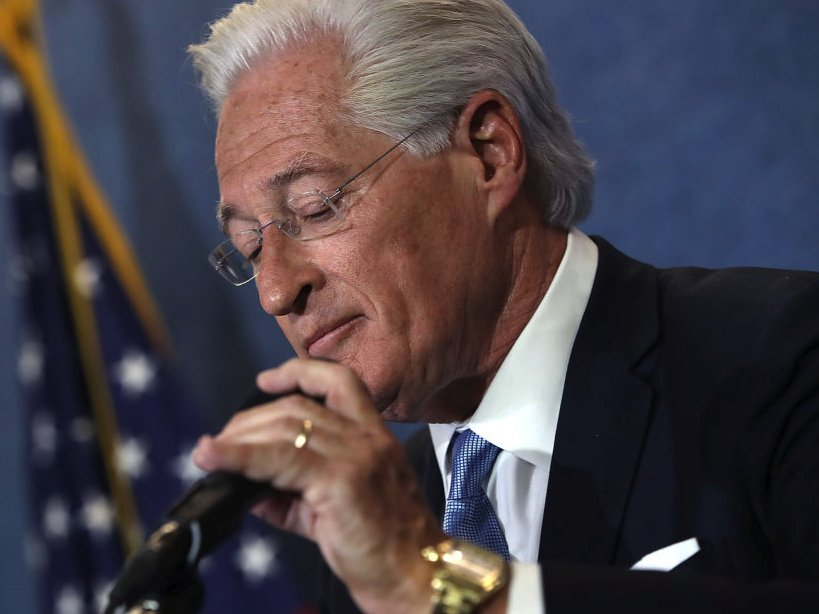 Trump lawyer Marc Kasowitz is stepping aside from the president's legal team