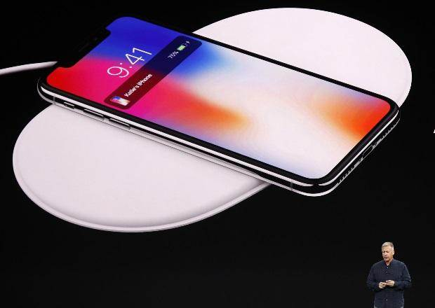 Apple's iPhoneX brings face recognition to masses, concerns over technology