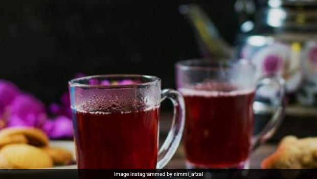 6 Reasons to Swap Your Regular Chai With Herbal Hibiscus Tea