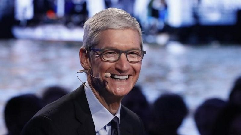 Apple CEO Tim Cook Gets $102 Million Payout in 2017 After Earnings Rebound, Must Fly by Private Aircraft