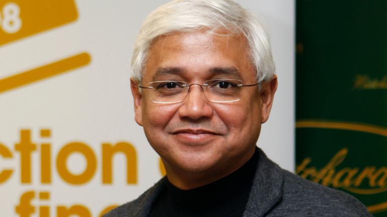Amitav Ghosh honoured with Jnanpith Award 2018
